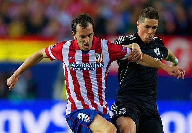 Hart umkämpftes Hinspiel: Godin im Duell mit Torres