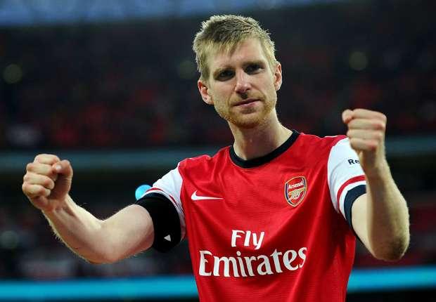 Der Arsenal-Spieler Mertesacker freut sich über das Aus Spaniens.