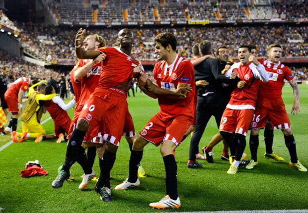 Valencia 3-1 Sevilla (Agg. 3-3): Mbia stoppage-time strike stuns Mestalla