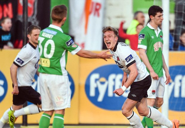 Dundalk 4-0 Cork City: Lilywhites go top with big win