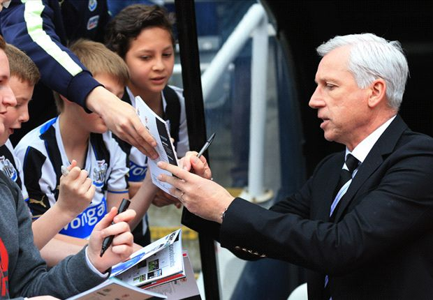 Pardew saddened by calls for Newcastle sack