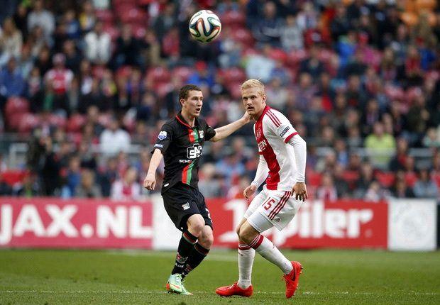 Ajax laat NEC leven met remise