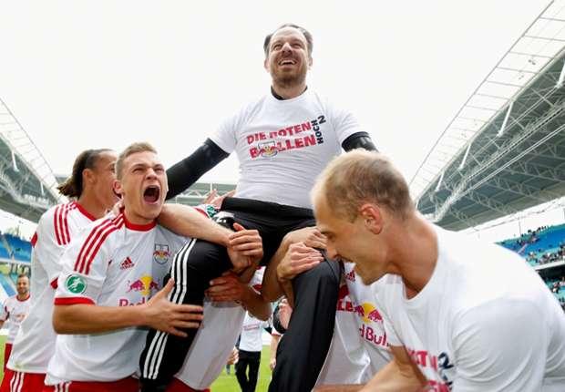 RB Leipzig feiert den Aufstieg in die 2. Bundesliga