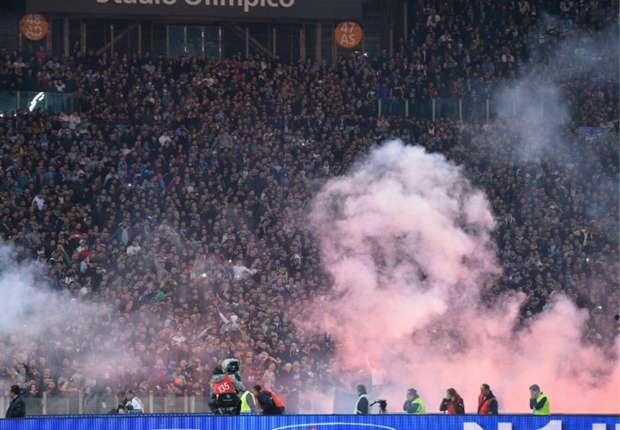 Aufgrund von Auseinadersetzungen rund ums Pokalfinale müssen Napoli-Fans draußen bleiben