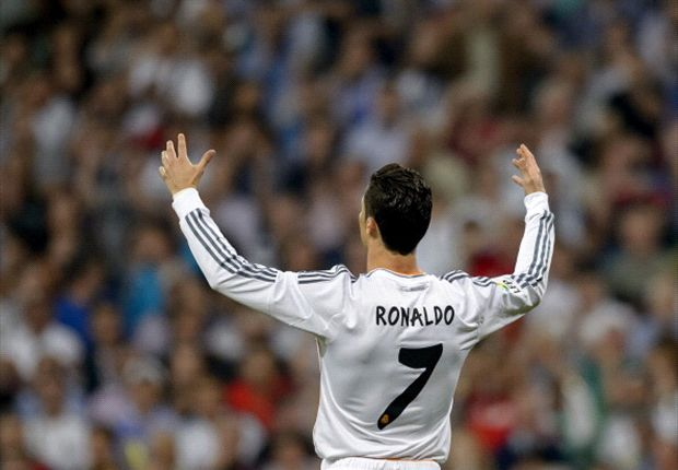 Real Madrid 2-2 Valencia: Ronaldo magic keeps Los Blancos in title race