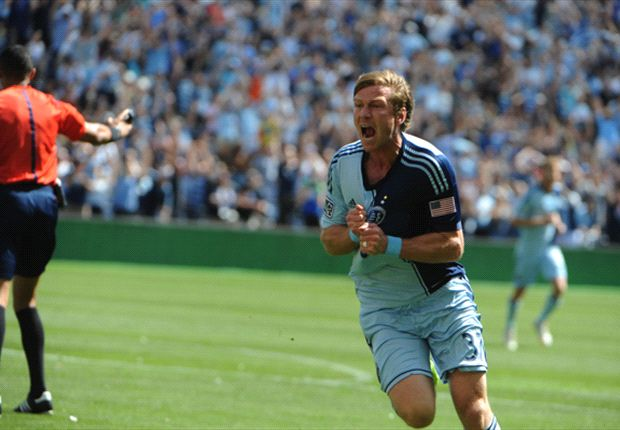 Sporting Kansas City 2-0 Columbus Crew: Champs go top of the Eastern Conference