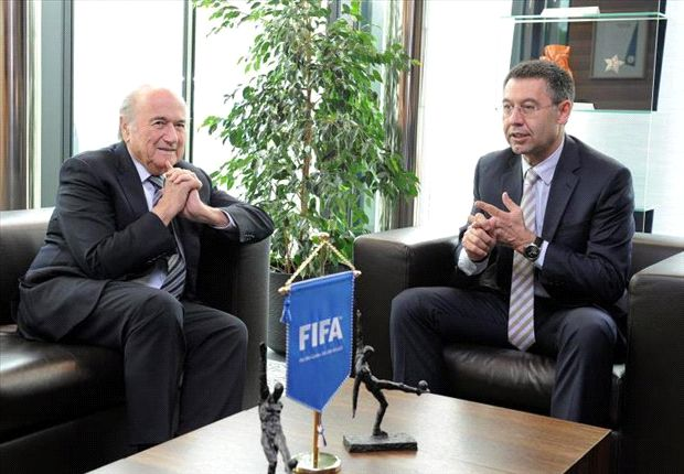 Barcelona president Bartomeu meets with Blatter