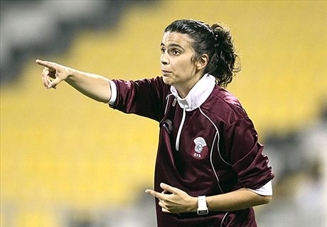Clermont appoint female coach Costa