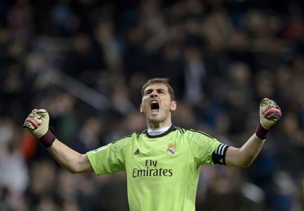 Iker Casillas chasing his very own Decima