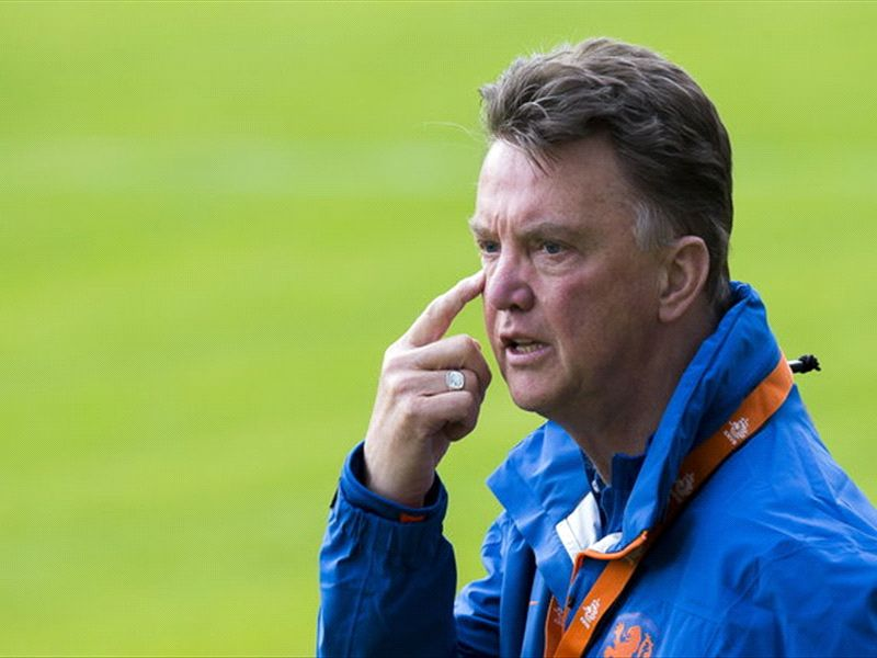 Van Gaal: I was going to replace Sir Alex Ferguson at Manchester United in 2002