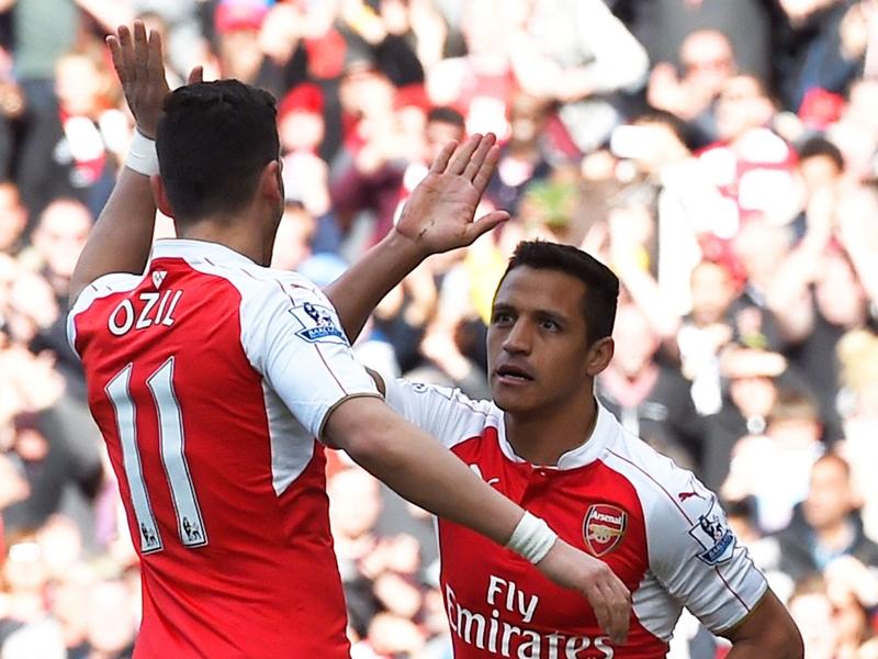 Arsenal, les situations d'Alexis et Özil en stand-by