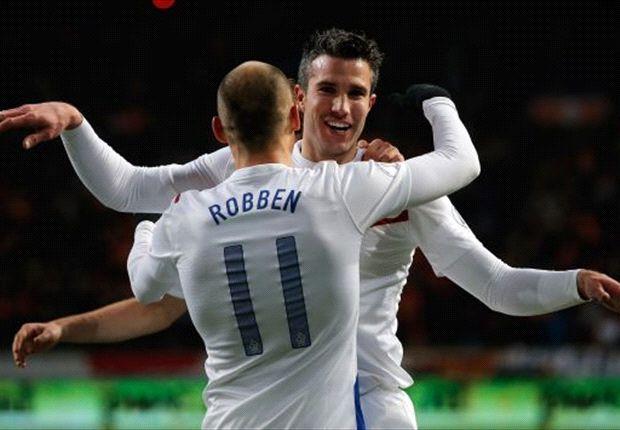 Van Persie y Robben, juntos con la camiseta de Holanda.