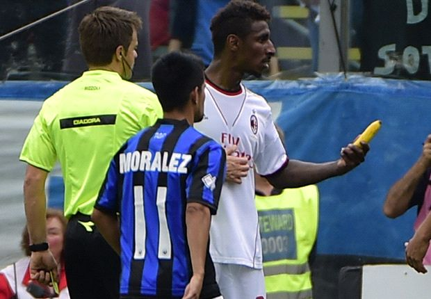 Atalanta boss slams 'disgraceful' banana throwing incident during AC Milan clash