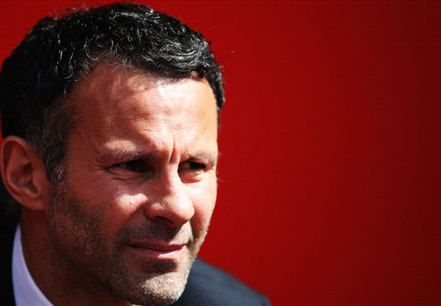 Manchester United shouldn't retire my No.11, says Giggs