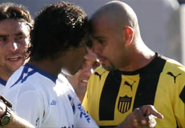 Penarol-Newell's Old Boys Friendly Suspended After Brawl