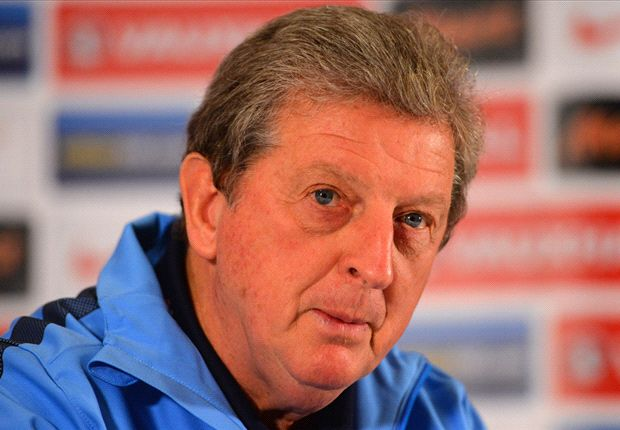 Bullish Hodgson defends Rooney after Peru win