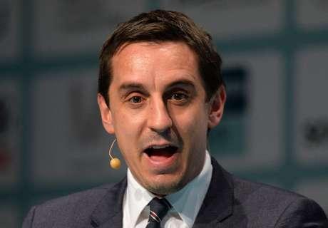 Neville Pertimbangkan Jadi Manajer