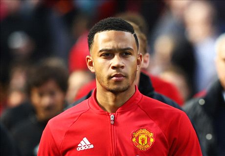 RUMORS: Roma makes Depay bid