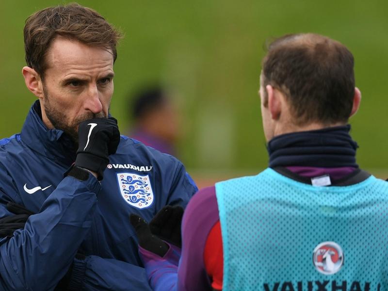 """Angleterre, Southgate : """"Wayne Rooney ne peut pas s'attendre à jouer tous les matchs"""""""