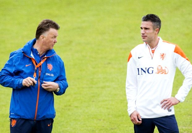 Van Persie over fitness issues as World Cup approaches