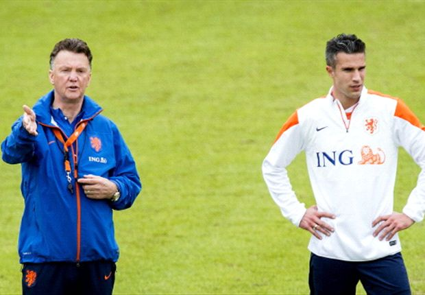 Van Gaal: Van Persie is my captain