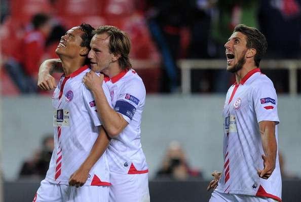 Sevilla 3-1 Elche: Un doblete de Iborra para cerrar la fiesta
