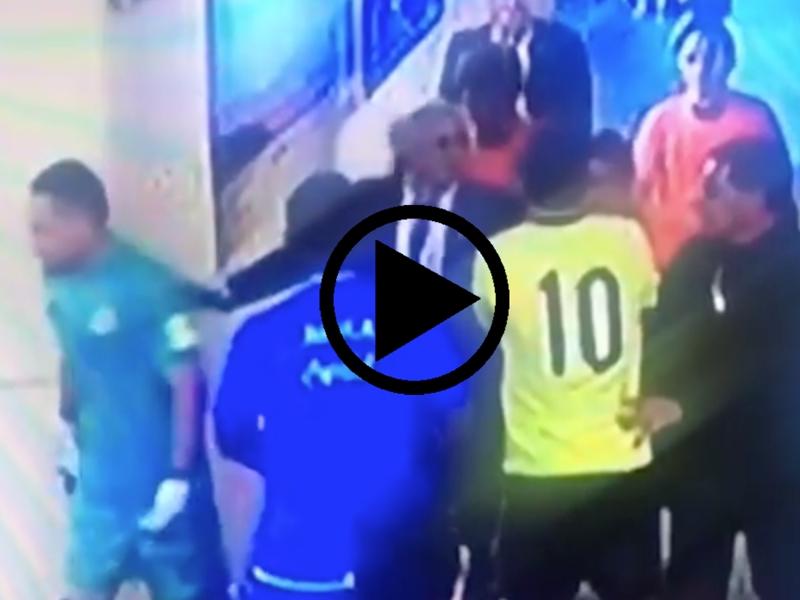 VIDEO - Quand James Rodriguez s'énerve auprès de l'arbitre après Argentine-Colombie