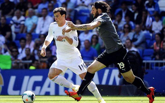 Bale ���� ����� ����� �� 15 ��� � 12 ������ . 406519hp2.jpg