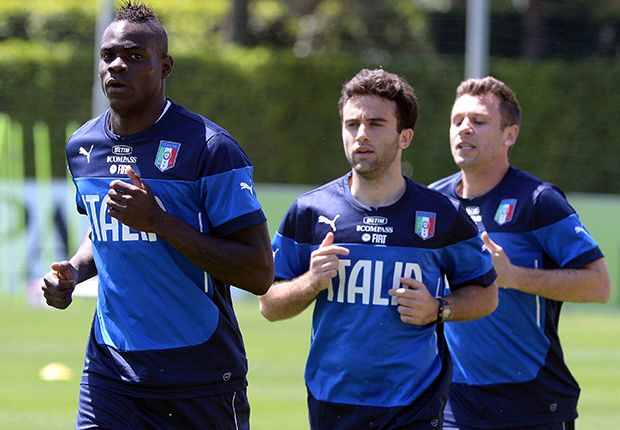 Balotelli racially abused at training camp