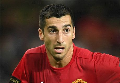 Mkhitaryan stars again for United