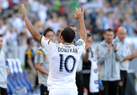 Donovan breaks MLS scoring record