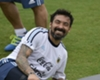 Favre 'surprised' by Lavezzi link