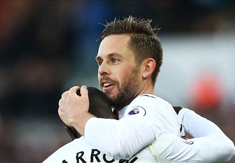 Llorente heroics give Swans win