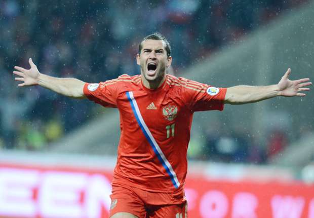 Russia 1-0 Slovakia: Capello's men leave it late in St Petersburg