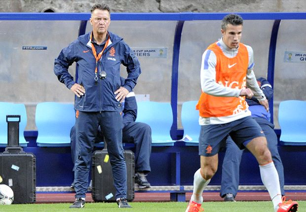 Van Persie: Spain are still the best in the world