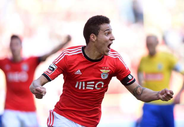 Valencia agrees to loan deal for Benfica striker Rodrigo