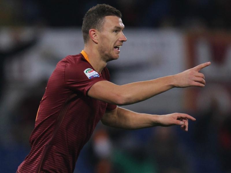 """Dzeko rimprovera la Roma: """"Se giochiamo così il derby non lo vinciamo"""""""