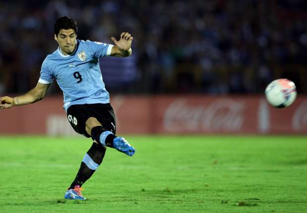 Suárez en un parrtido con Uruguay