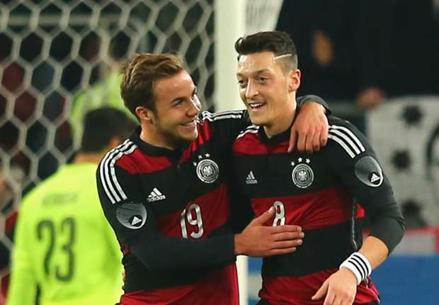 Maradona hails 'extraordinary talent' Gotze