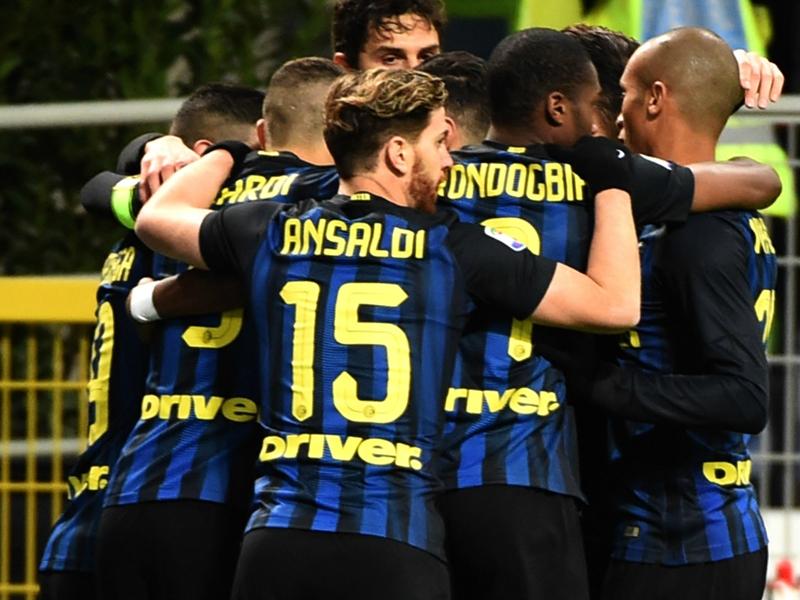 Inter-Fiorentina 4-2: Pirotecnia a San Siro, primo hurrà per Pioli
