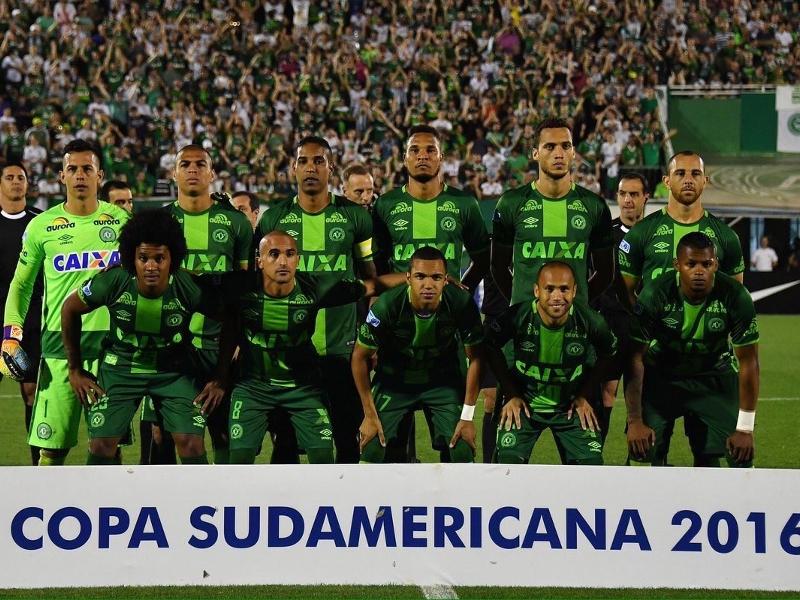 Un avion d'une équipe de foot brésilienne s'est écrasé