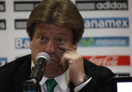 Herrera renueva su contrato con México