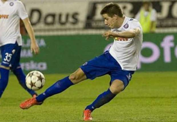 Official: Chelsea sign Croatia youngster Pasalic
