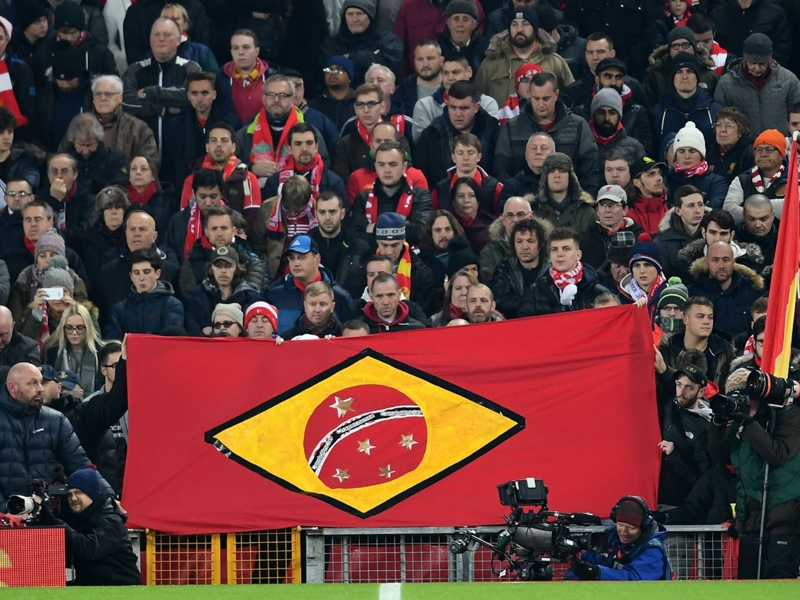 Anfield rend hommage à Chapecoense