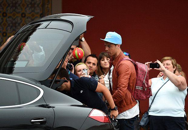 Ronaldo llegó hoy a la concentración de Portugal