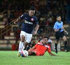 Striker Singapura Menuju Burnley