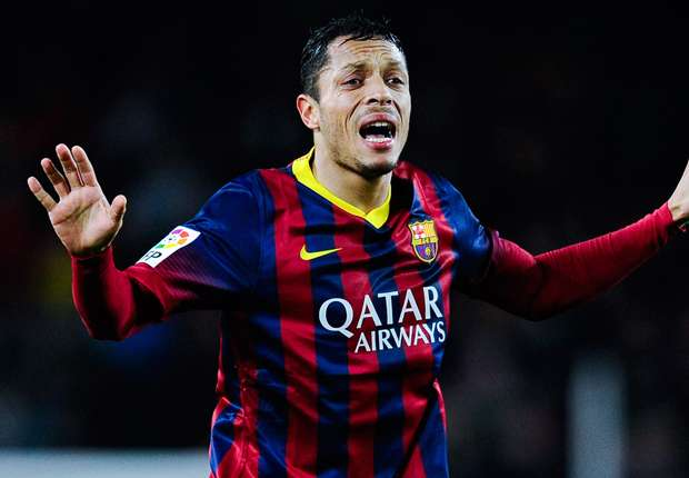 Adriano set to make Barcelona return from heart problem