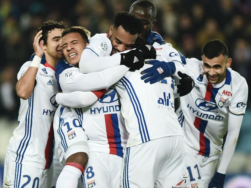 Nantes-Lyon 0-6, Nantes prend l'eau