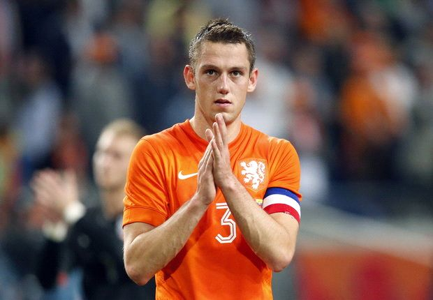 Manchester United target De Vrij wants to join Lazio, says Tare