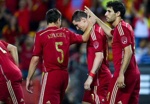 Spain 2-0 Bolivia: Torres and Iniesta seal Roja victory